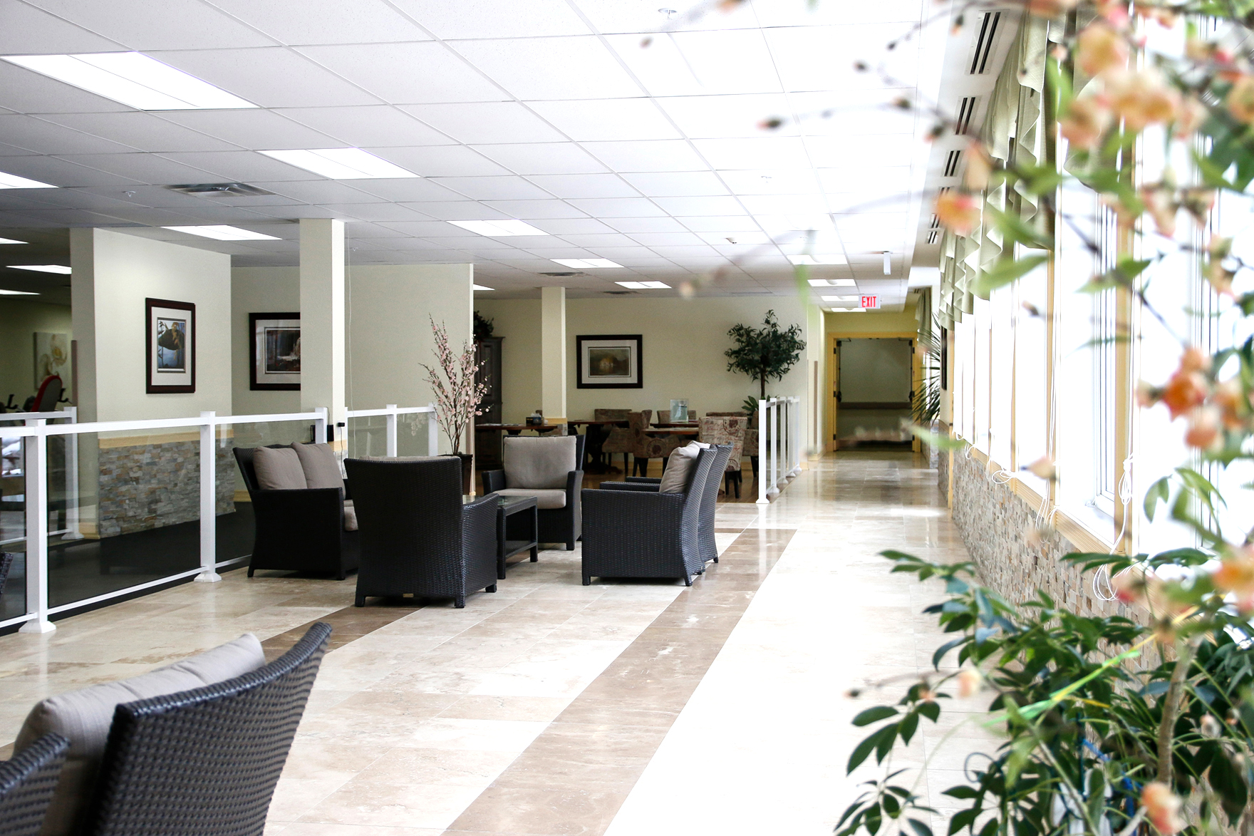 Lounge area at Kawartha Lakes Retirement Residence in Bobcaygeon
