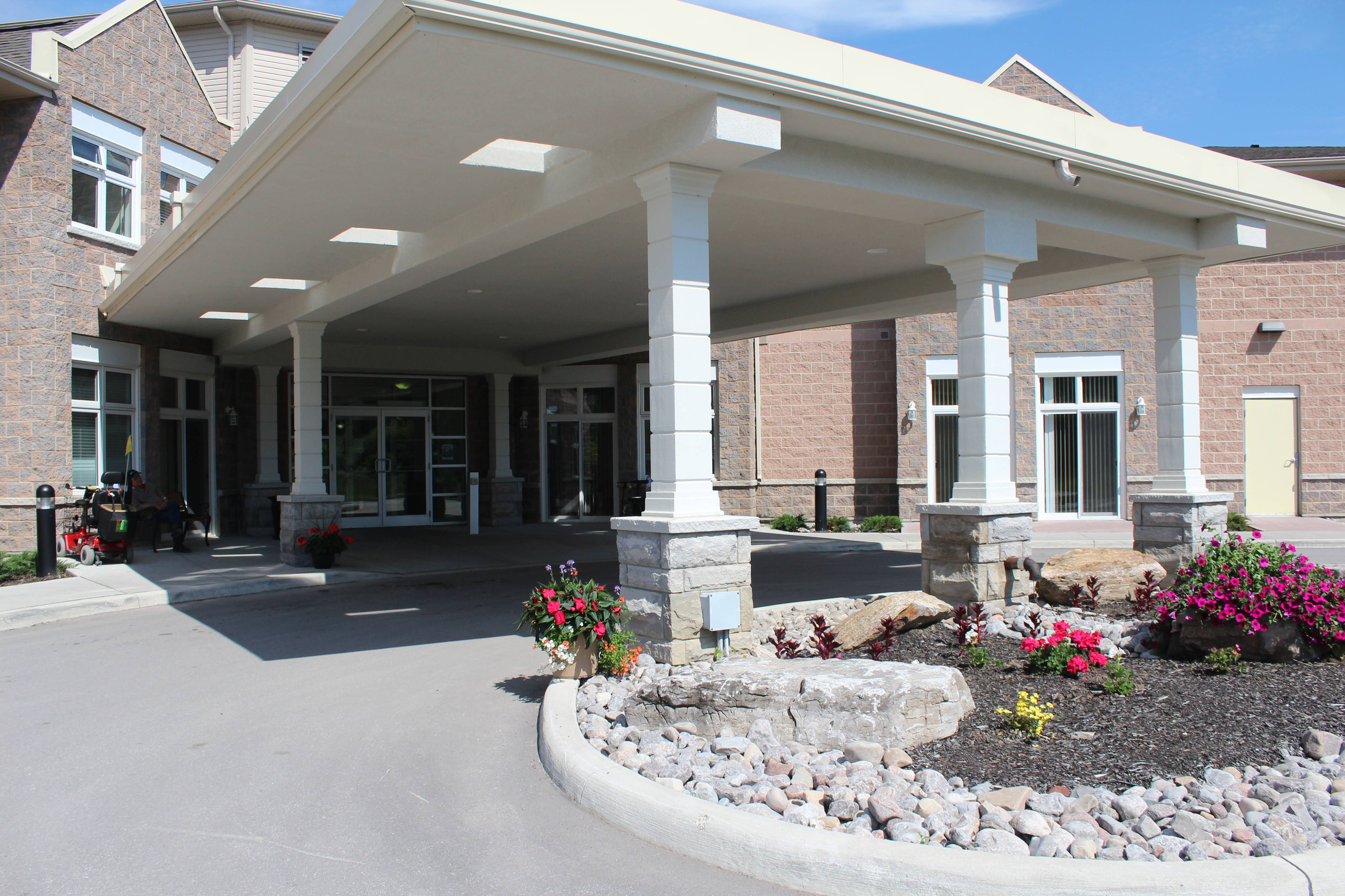 Front entrance of Kawartha Lakes Retirement Residence in Bobcaygeon