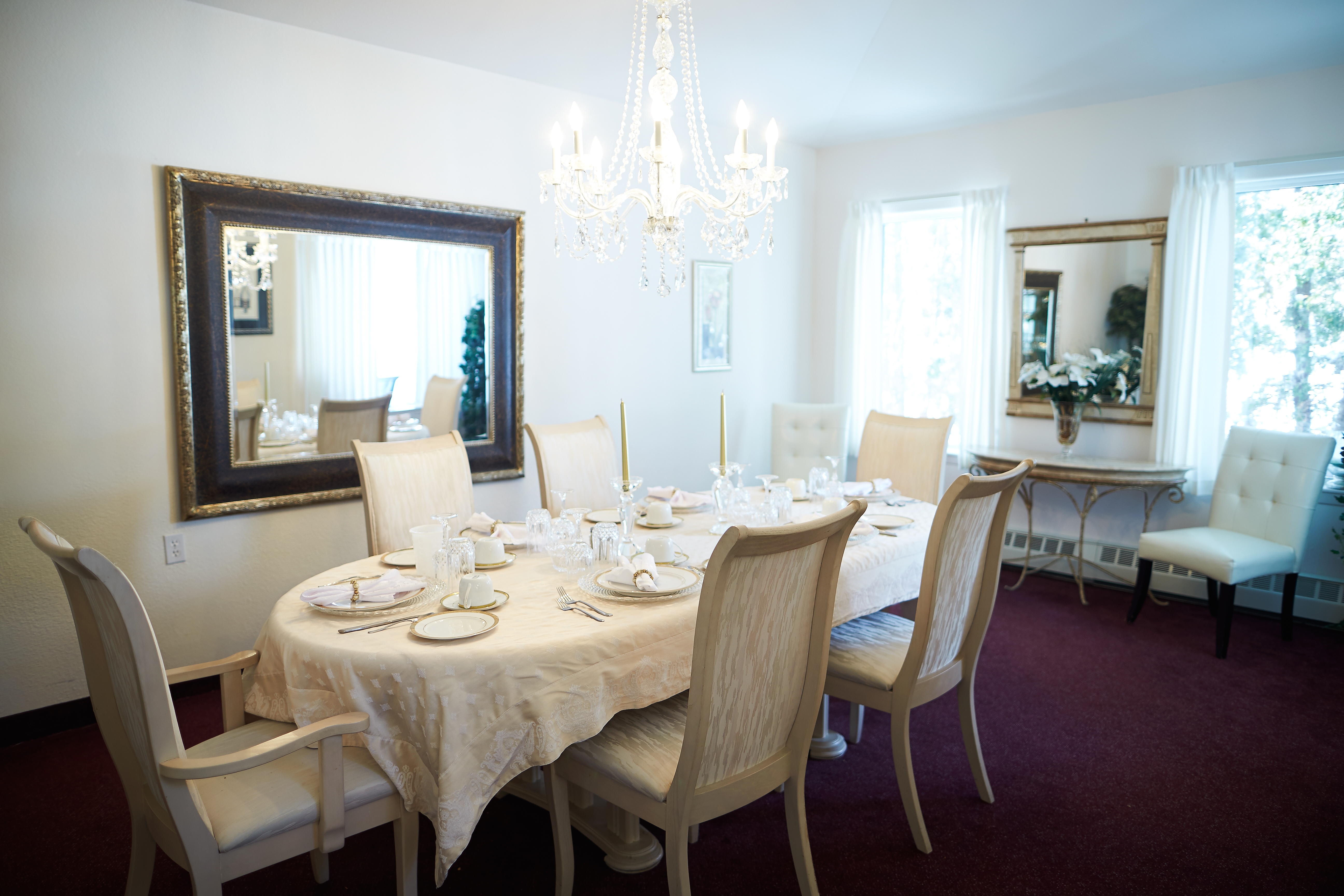 Dining area at Kensington Court Retirement Residence in Windsor