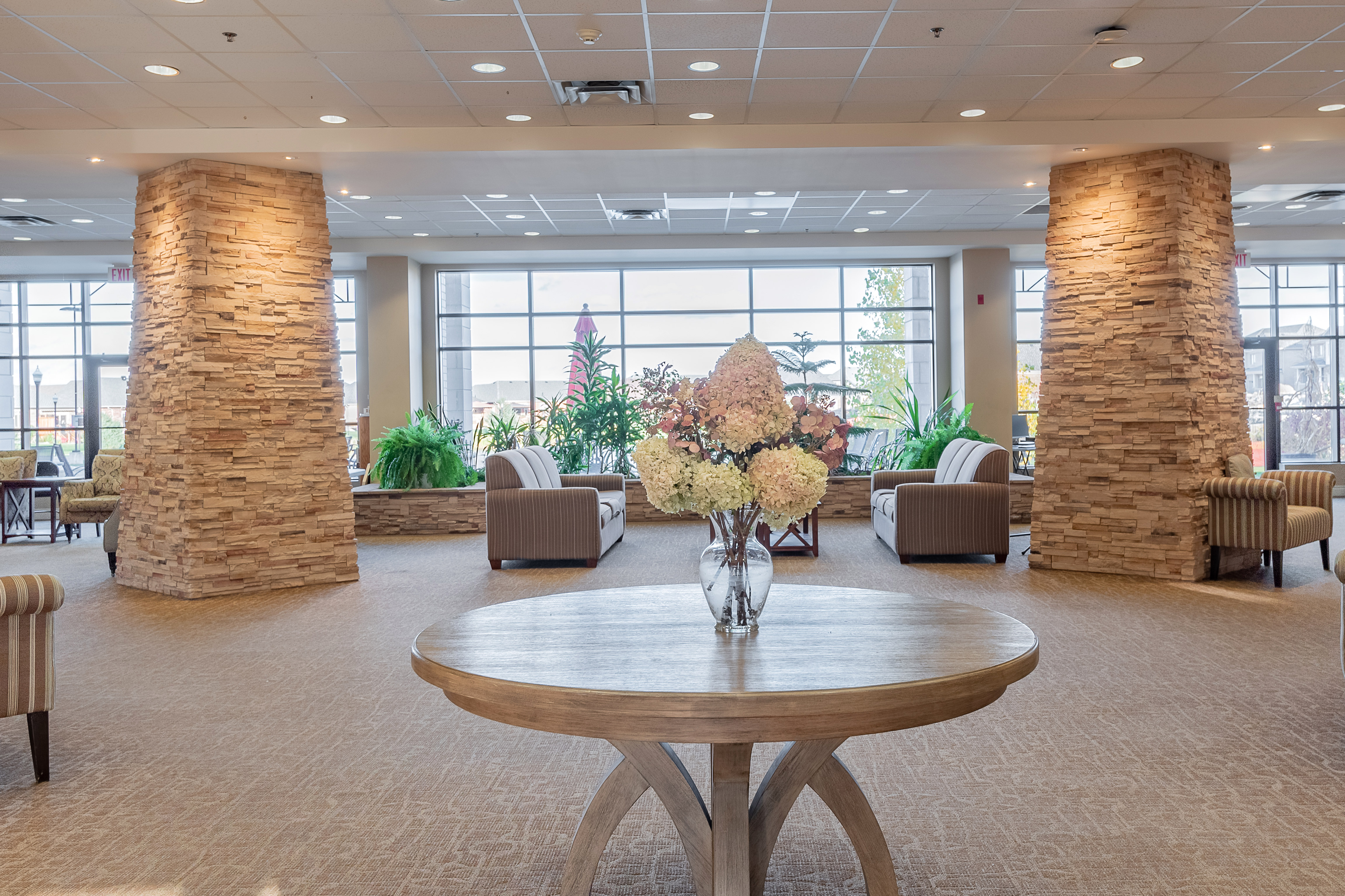 Relaxing area at Kingsmere Retirement Residence in Alliston