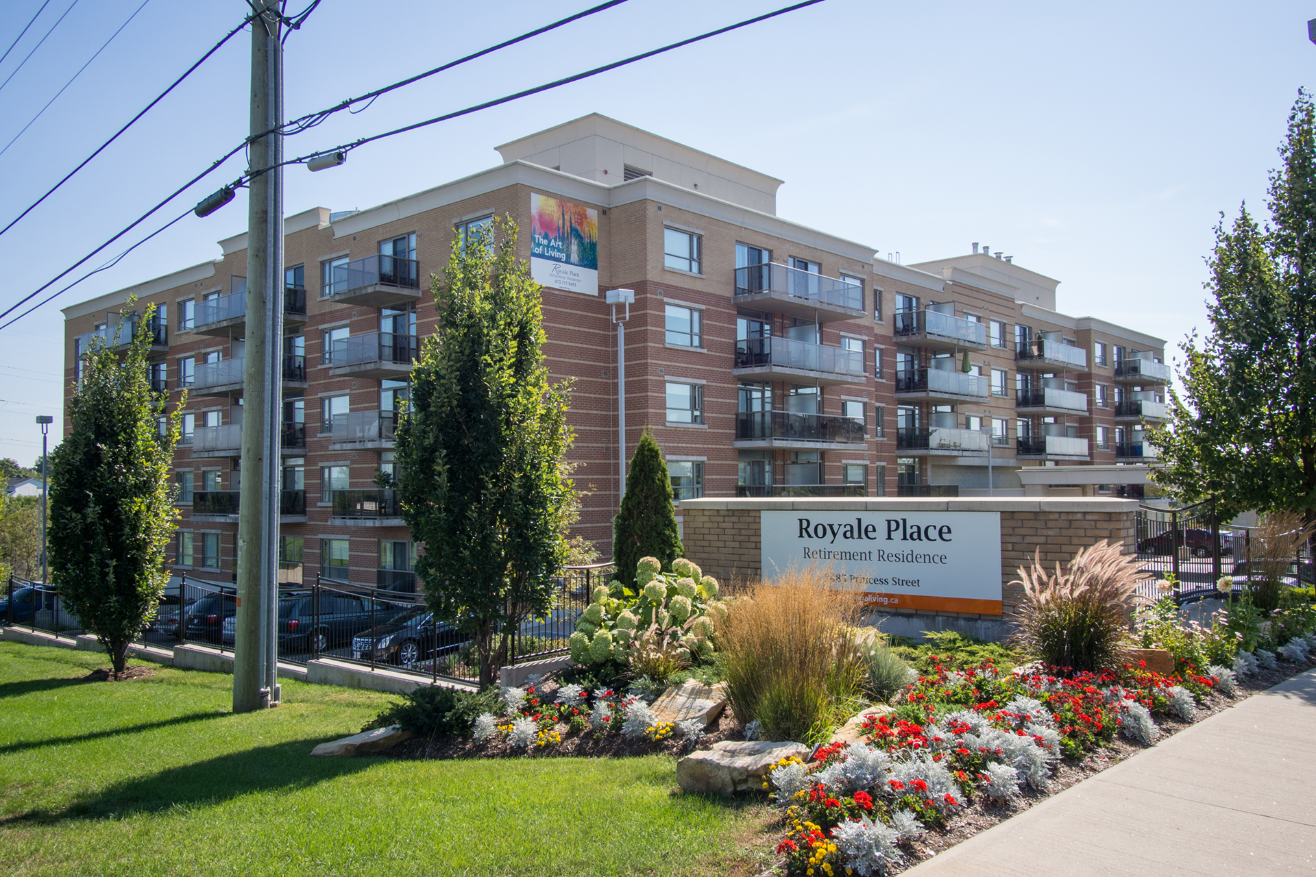 Front entrance of Royale Place Retirement Residence in Kingston