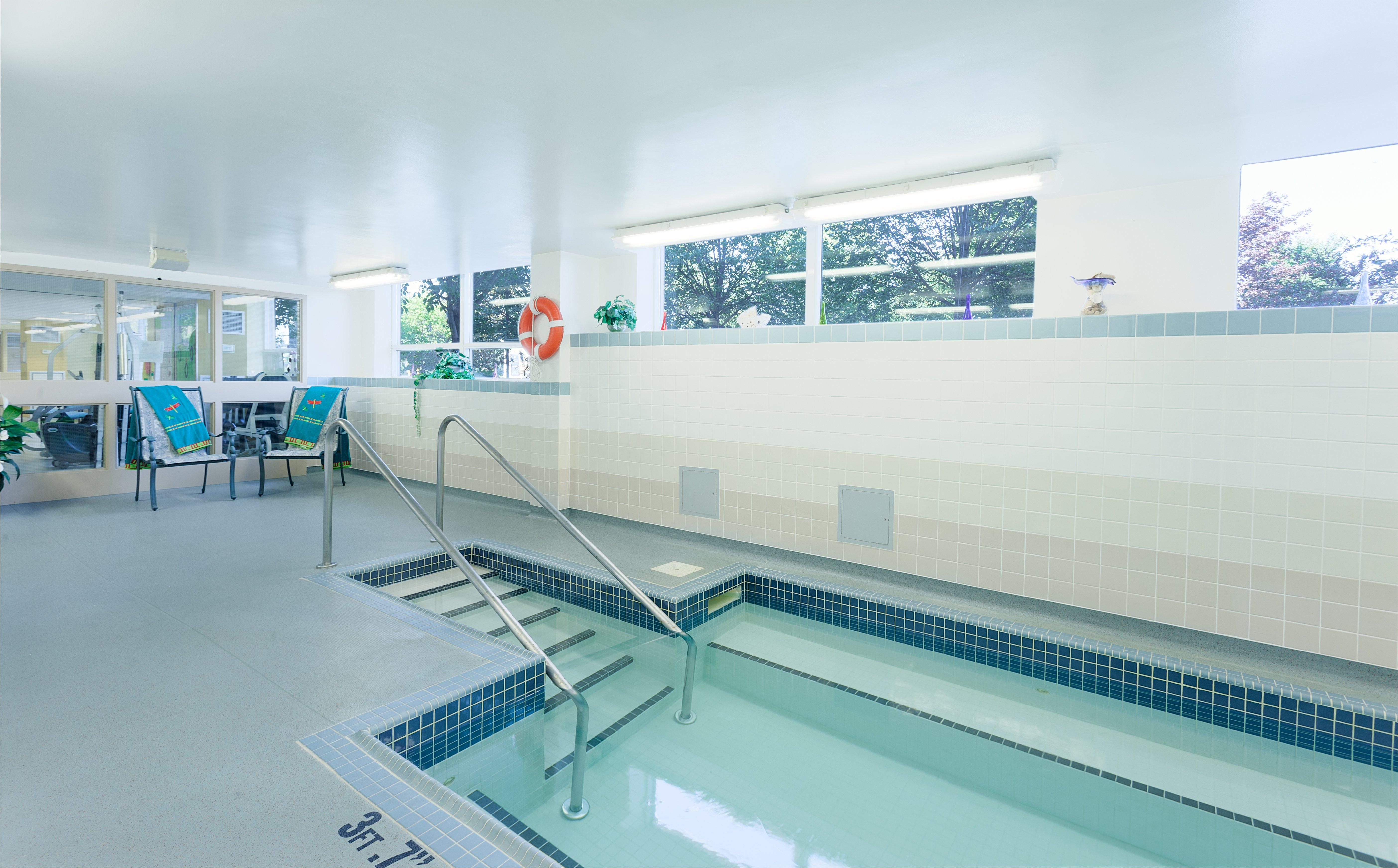 The indoor pool of Villa Da Vinci Retirement Residence in Vaughan